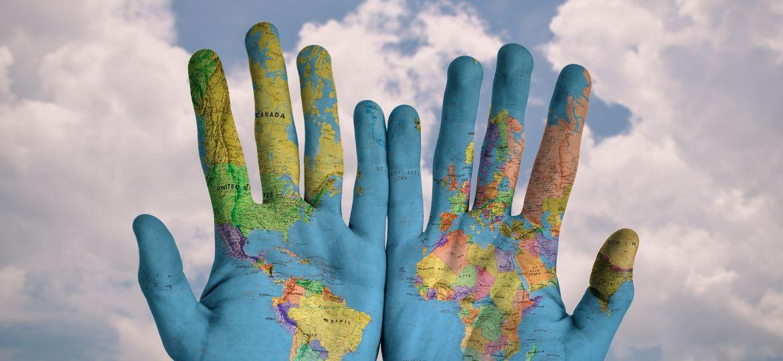 mundo-manos
